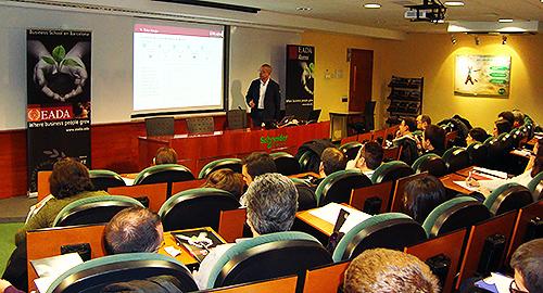 Enrique Clarós durante su taller en EADA sobre neuromarketing para la innovación en retail
