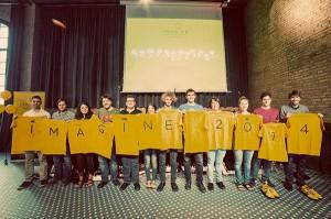 Fotografía de grupo de los 12 'dreamers' que han viajado a Silicon Valley para desarrollar ideas innovadoras