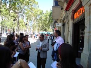 En Vinçon, el profesor Martín Vivancos les habló sobre la importancia del diseño y la innovación en el punto de venta.