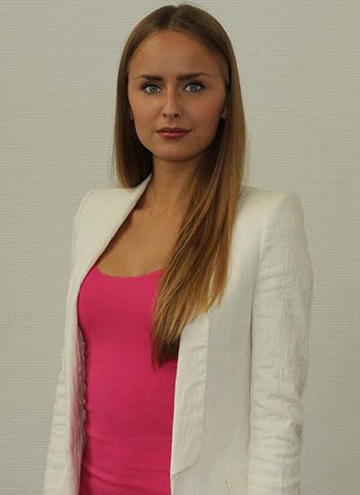 Anna Kireeva, estudiante del International Master in Finance de EADA, ha obtenido una de las mejores puntuaciones en el prestigioso examen internacional Bloomberg Aptitute Test (BAT).