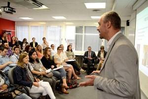 Los asistentes podrán escoger a qué sesiones participar y combinar aquellas que más les interesen.