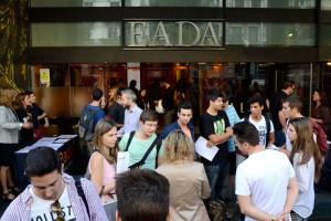 Desde primera hora de la mañana, la entrada de EADA se colapsó por personas de diferentes perfiles y edades que se habían apuntado a alguna de las 60 conferencias del evento.
