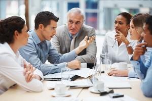 Ponti pone el ejemplo de algunas empresas californianas  que incorporan la transgresión a sus prácticas habituales de management.