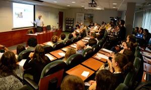 El experto en social media Ricard Castellet constató la relevancia que tienen los influencers en la planificación de la estrategia de marketing online de una compañía.