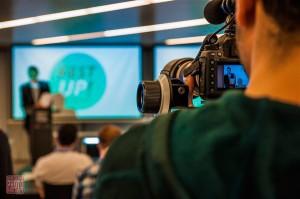 Imagen de una de las conferencias que se impartieron en el certamen de primavera ante una gran expectación mediática. (FOTO: Barcinno)