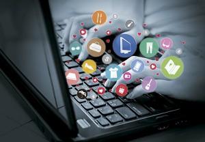 El inbound marketing es la única metodología de marketing que permite crear un canal propio de captación de tráfico, registros, leads cualificados y clientes , sin depender de otros canales publicitarios para dar a conocer la marca.