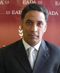 El profesor de EADA Carlos E. Morales exige más medidas públicas para apoyar al emprendedor.