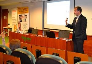 Roman incidió en las múltiples oportunidades que presenta el marketing digital en España debido al elevado porcentaje de penetración de 'smartphones'.