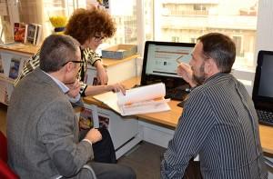 Los profesores Costa y Rosés coinciden en que la transformación digital en la empresa debe ser compartida entre todos los profesionales pero liderada por los directivos.
