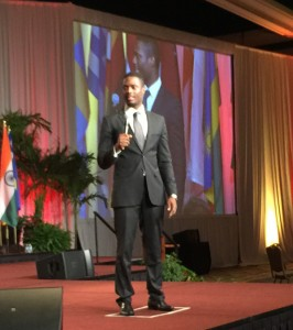 Yannick spoke one week ago at an event in Orlando (Florida) with 1.000 entrepreneurs, leadership consultants, coaches and business executives.