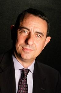 """El Dr. Rubén Llop acaba de publicar una tesis en la que lleva trabajando 20 años titulada """"El ciudadano del capitalismo contemporáneo. Una caracterización de la alta dirección de las empresas multinacionales""""."""