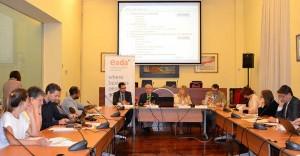 El profesor de Finanzas de EADA y autor del estudio, Rafael Sambola, durante la rueda de prensa que se hizo en mayo en la sede de Foment del Treball.