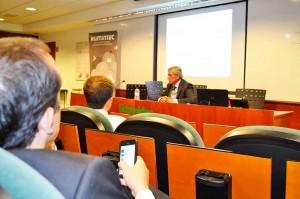 Flórez habló del nuevo rol que juega en las empresas la figura del CIIO –Chief Information and Innovation Officer–, que pasa no solo por gestionar los recursos internos sino también los externos.