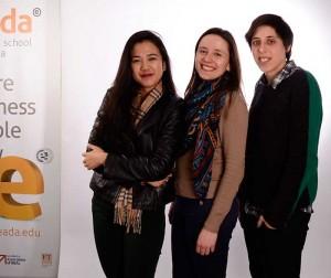 Además de Clara, el Imagine Express 2015 contó con dos representantes más de EADA: Elizabet Lee (izquierda) e Inês Marques (centro).