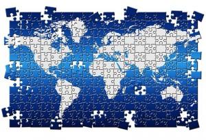 El profesor Torras alerta de las desigualdades económicas y del impacto medioambiental que sigue ocasionando el comercio internacional.