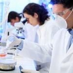 Medicamentos genéricos y biosimilares: Riesgos y oportunidades