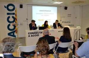De izquierda a derecha, el Dr. Boyd cohen, profesor de EADA, Nuria Bertriu, consejera delegada de ACCIÓ, y Miquel Espinosa, director general de EADA.