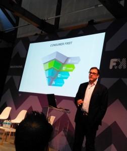 Imagen de Nick Worth, director de Marketing en Selligent, durante su ponencia sobre estrategias de marketing en la era de los consumidores hiperconectados.
