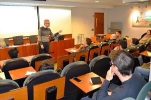 Roselló recomendó a los candidatos identificar sus fortalezas y debilidades y, además, preparar su propuesta de valor en base a lo que demanda la empresa.