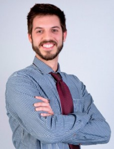 Tras realizar varias prácticas en diferentes departamentos de RR.HH., Joaquim Escura coniguió en octubre de 2016 su puesto actual de técnico generalista en RR.HH. en Allianz.