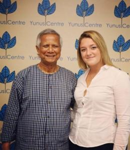 Stella Arcà (EADA International Master in Marketing 2016-17), alongside with Professor Muhammad Yunus in Dhaka during her internship last month of July.