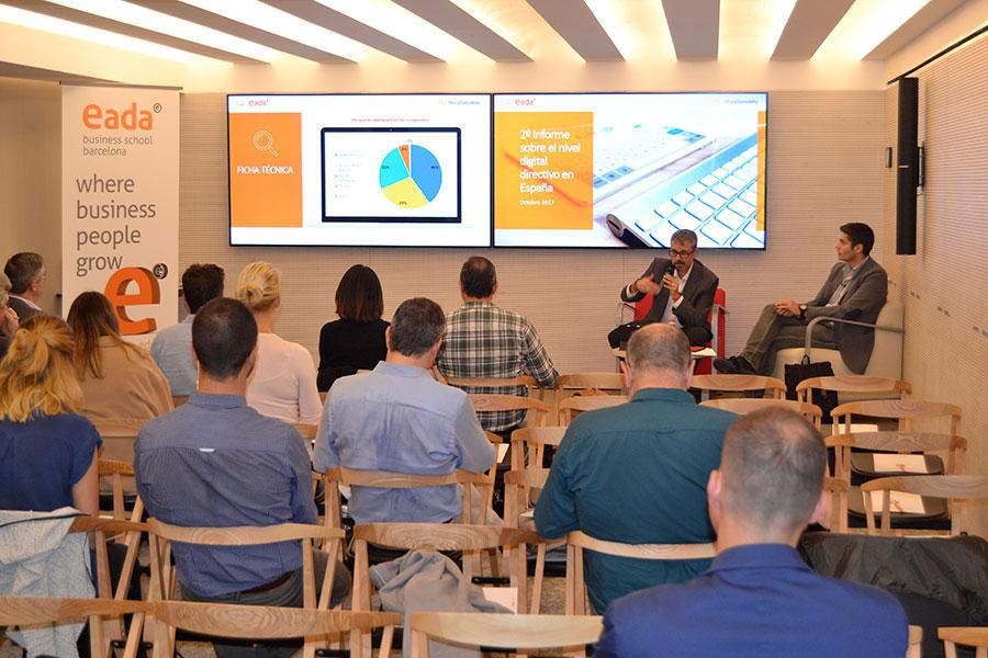 El profesor Ramon Costa durante la presentación del 'II Informe Nivel Digital Directivo' de EADA y RocaSalvatella.