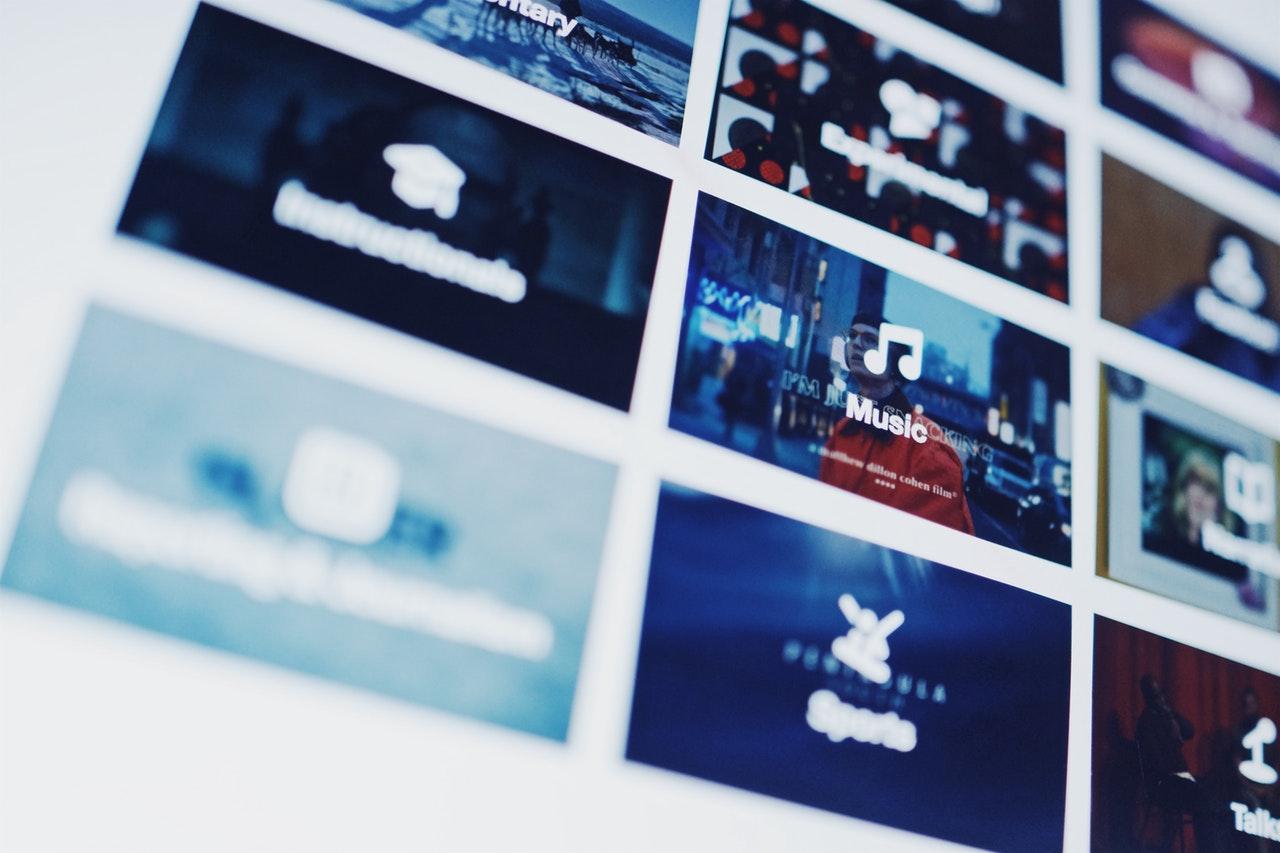 En este post el profesor Joan Miquel Piqué reflexiona sobre la dependencia que tenemos de los proveedores de Internet.