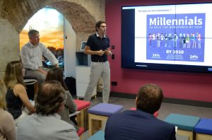 Xavi Escales, fundador de AlwaysPeopleFirst, habló de liderazgo y gestión de equipos 'millenials'.