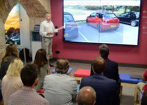 Mourge, profesor del Automobile Retail Innovation Programme de EADA, analizó el impacto de las nuevas tecnologías en el sector de la automoción.