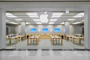 Apple fue la primera compañía en introducir el tercer sentido, el tacto, en la experiencia de compra.
