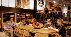 Starbucks fue más allá que Apple y generó una experiencia de compra basada en los cinco sentidos.
