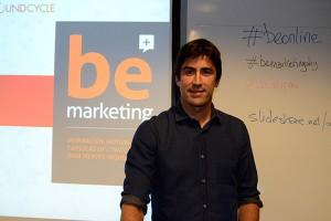 Valdés insistió en que tanto la actualización del blog corporativo como la selección de las redes sociales deben responder a una estrategia de marketing afín a los intereses del target y a los objetivos de la empresa.