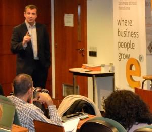 """Uno de los ponentes será David Roman, profesor del departamento de Marketing de EADA, quien impartirá la conferencia """"¿Preparados para el Smartketing? Retos para dar valor al nuevo consumidor móvil""""."""