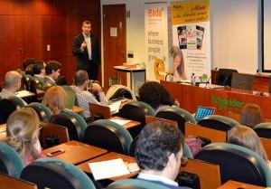 El profesor de EADA David Roman introdujo una sesión muy interesante sobre las nuevas tendencias en marketing digital para las empresas.