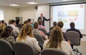 El Dr. Steven Poelmans participó en Be Marketing Day 2015 con la ponencia 'El neuroliderazgo como base del alto rendimiento directivo'.