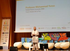 Muhammad Yunus asistió a la presentación que se hizo en el Palau de la Música del Social Business Yunus Centre de Barcelona.