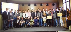 """Imagen con los ganadores de la primera edición de los """"Premios SBC Transforma: Emprendimiento social contra el paro juvenil""""."""