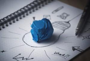 Jordi Díaz, director de Programas y Relaciones Internacionales de EADA, hace un repaso a la teoría de la innovación disruptiva de Clayton Christensen a través de varios ejemplos contemporáneos.
