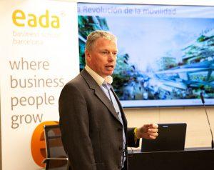 Hablamos con Franck Murge, profesor del nuevo Automobile Retail Innovation Programme de EADA, sobre cómo el sector de la distribución del automóvil se ha adaptado a las nuevas tendencias en movilidad urbana.